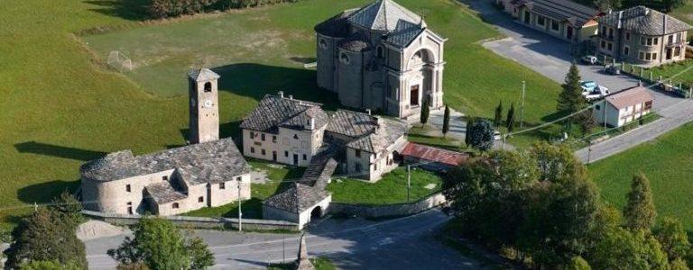 1a_Usseglio_Antico-Complesso-Parrocchiale-e-NUova-Chiesa-Parrocchiale-e1386711844585-768x550
